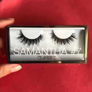 Huda Beauty Samantha #7 Classic false lashes